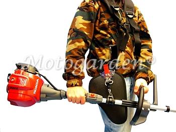 Cinghia professionale super imbottita con paragamba di protezione per un lavoro confortevole.