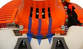 Frizione con presa d'aria per un migliore raffreddamento della trasmissione di BC320S Oleo Mac.